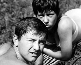 Premiéra filmu Černý Petr v kolínském kině