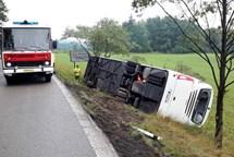 U Horního Bolíkova na Jindřichohradecku boural zájezdový autobus