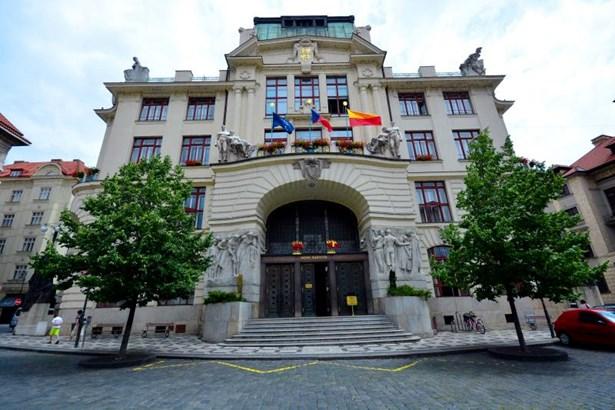 Popis: Nová radnice.