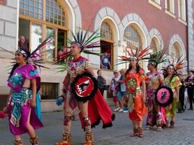 Mezinárodní folklorní festival roztančí celý Šumperk
