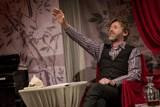 Divadelní tipy z Violy: Žena z Korinta, Hodně smíchu a pár slz, Přípitek aneb Cihla a Novecento