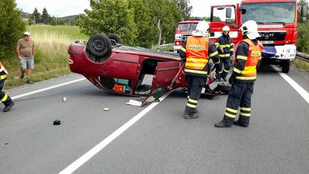 Popis: Dopravní nehoda u Velkého Újezdu na Olomoucku.