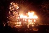 Noční ničivý požár dřevěného kostela v Třinci-Gutech