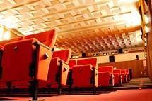Nově zrekonstruovaný kinosál vítá své první diváky