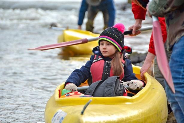 Popis: Novoroční sjezd řeky Olše pořádá každoročně spolek Posejdon.