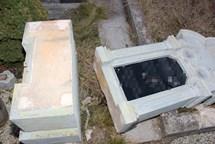 Případ poškození 11 hrobů byl objasněn v krátkém čase