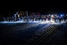 Noční Jizerky přilákaly do Bedřichova necelých tisíc běžkařů