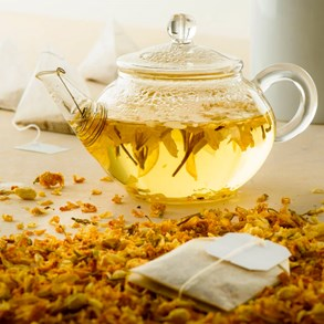 Bylinné čaje s příchutí pesticidů a jedovatého plevele