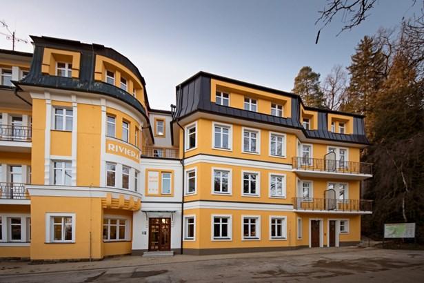 Popis: Rekonstruovaný garni hotel Riviera***