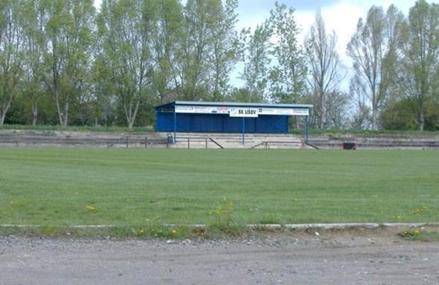 Popis: Stávající hřiště v Lišově.