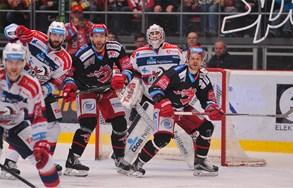 Oceláři udolali Pardubice i ve třetím domácím zápase a mají mečbol