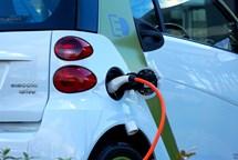 Jak se v Česku žije řidičům elektromobilů?