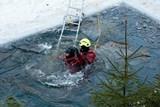 Hasiči cvičili na ledu