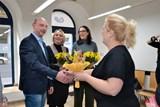 Učňovské kadeřnictví se stará o seniory Prahy 2