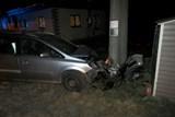 Řidička se plně nevěnovala řízení a potkala sloup