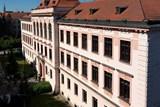 Gymnázium v Třeboni staví i slaví