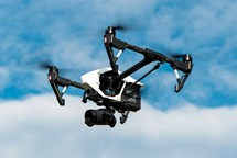 "Skoro třetina dronů ""nepřežije"""