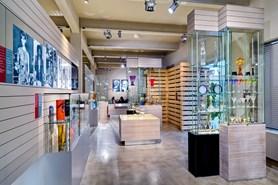 Zpestřete si výlet návštěvou karlovarské sklárny Moser