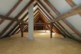 Skoncujte s letním horkem jednou provždy: Zaizolujte strop, klidně se vyspěte a hned 2x ušetřete!