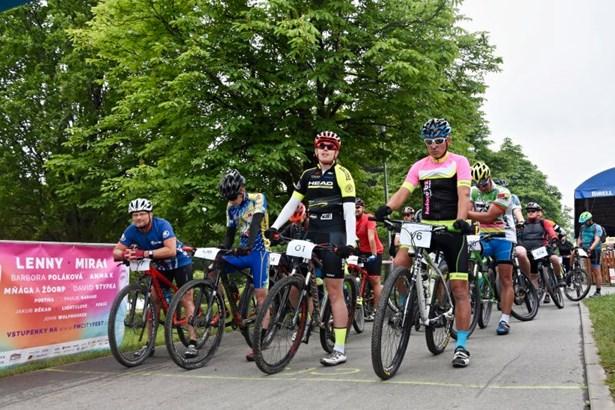 Popis: Do závodů se mohli přihlásit jak hobby cyklisté, tak i ti výkonnostní.