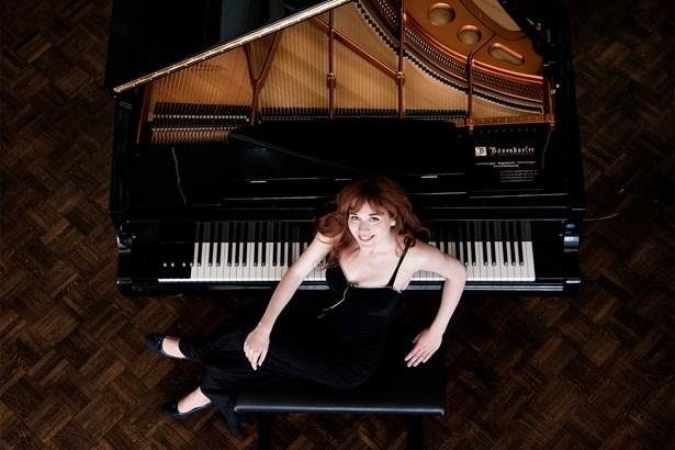 Popis: Klavíristka Karolína Františová