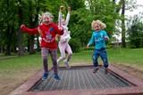 Hurá na trampolínu