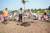Ekocentrum Prales slaví první narozeniny, pozvalo děti a zasadilo pamětní lípu