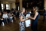 Radní hlavního města pro školství Irena Ropková ocenila devatenáct vynikajících pražských učitelů