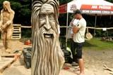 Nejlepší světoví řezbáři motorovou pilou přijedou do Skuhrova, chystají se Proměny dřeva