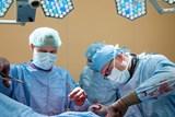 Chirurgové z Kliniky úrazové chirurgie prodloužili pacientovi nohu o 3,5 cm