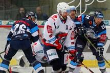 Piráti neuspěli ani ve třetím zápase, Liberec si odváží všechny tři body