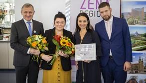 Držitelkou ocenění Žena regionu za Zlínský kraj se stala speciální pedagožka Lenka Ročáková