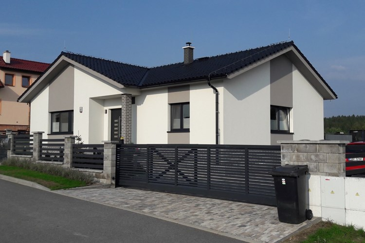 """Stavíte, nebo už máte postaven přízemní dům tzv. """"bungalov""""?"""