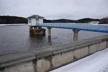 Voda v nádrži Hubenov pomalu stoupá