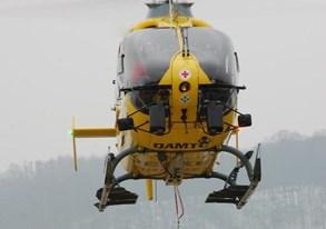 Letečtí a horští záchranáři zachránili dvojici turistů na hřebeni Beskyd