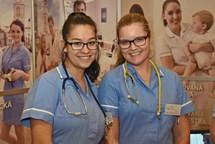Studenti zdravotnických škol dostanou větší stipendia. Kraj podpoří také nový obor
