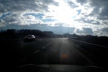 Riskantní manévr na dálnici