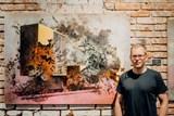 Vnitroblock představuje unikátní díla Lukáše Havrdy – malíře stop naší pohnuté historie