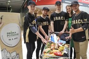 Sbírka potravin  pomohla tisícovkám potřebných. Až do pátku 24. května můžete darovat potraviny online