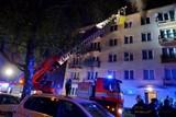 Při požáru ostravského bytu hasiči zachránili muže automobilovým žebříkem