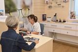 Uherskohradišťská nemocnice nabízí pacientům novou službu, otevřela vlastní oční optiku