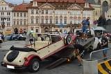 Většina pseudohistorických vozidel v Praze má závadu