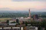 Nebezpečný komín vítkovické Aglomerace byl po 16 letech odstřelen