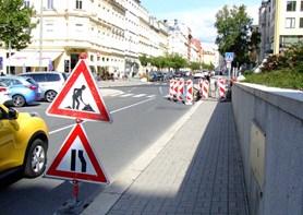 Na Moskevské ulici vzniká zvýšený přechod pro chodce