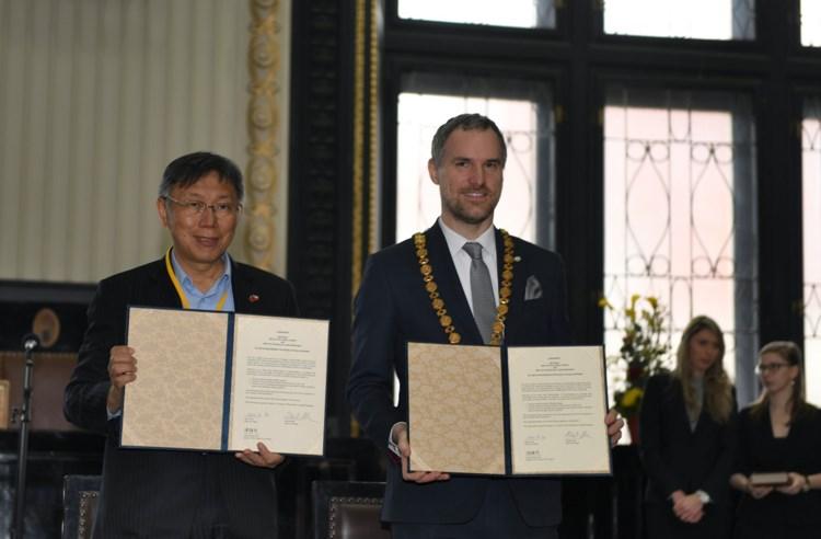 Praha uzavřela sesterskou smlouvu s Tchaj-pejí