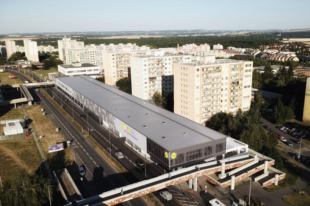 Popis: Vizualiace nové prodejny Lidl v OC Opatovská v Praze na Chodově.