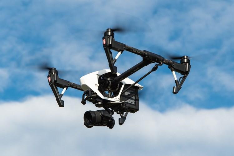 Ztráty a nálezy: tradiční mobily a peníze, ale i snowboard, dron s kamerou či hasicí přístroj