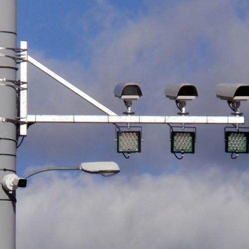 Plzeň sleduje průjezd aut na červenou, zvyšuje tím bezpečnost