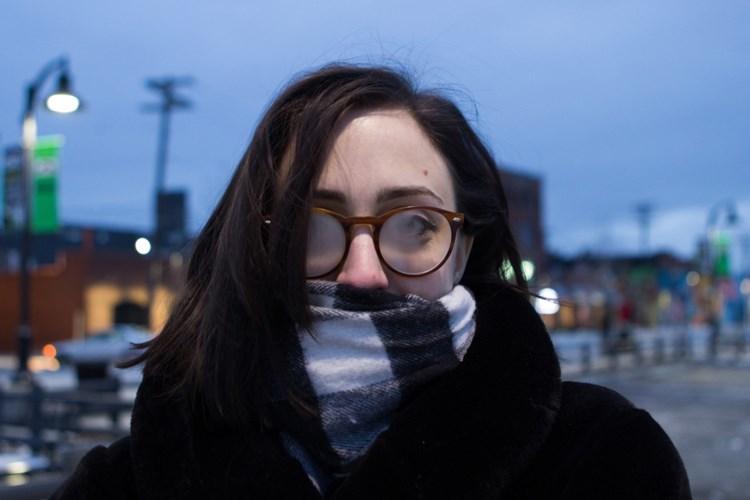 Tipy, jak bojovat se zamlžením brýlí při nošení roušky