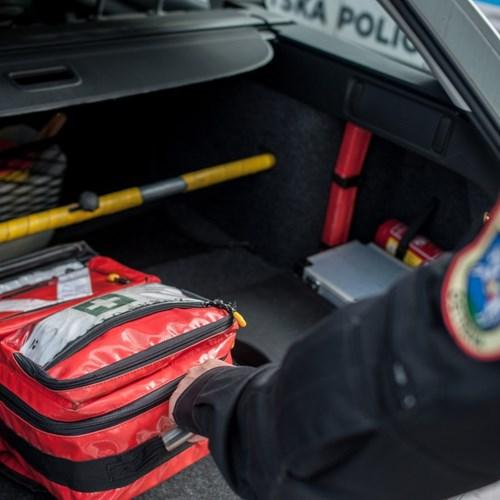 Strážníci poskytli pomoc krvácejícímu muži